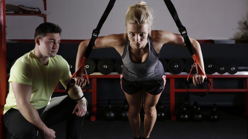 Potrzebna osoba na siłowni – trener personalny, jak zostać?