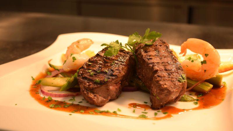 Mięso z dzika czy mięso z jelenia? Które wybrać?